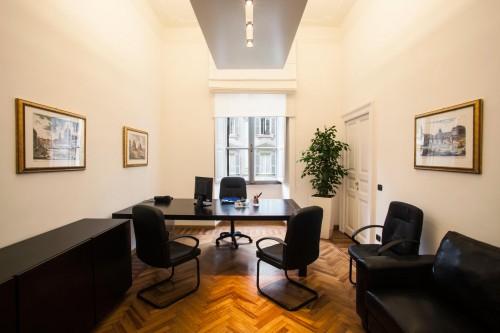 Noleggia il tuo ufficio elegante e funzionale nel centro for Ufficio affitto roma centro